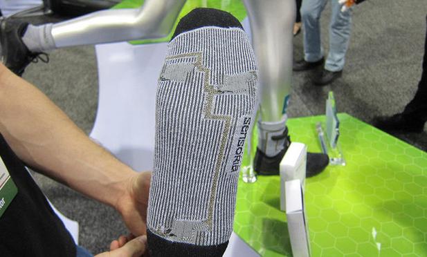 スマート靴下Sensoria