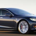 アップルウォッチで電気自動車テスラ2を操作するアプリが登場!